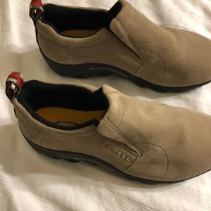 New Merrell suede slip on's